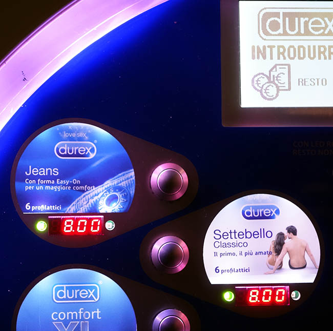 "Bizarre ""jeans"" condom style featured in condom vending machine (!)"