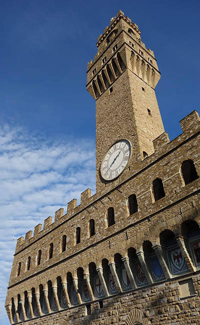 Palazzo Vecchio, from the outdoor cafe in the Uffizi