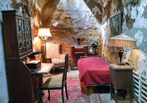 Al Capone's (relatively) luxurious cell