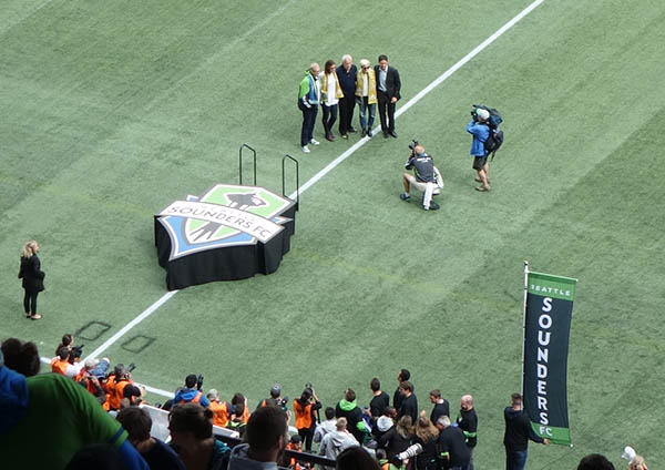 From left: Skinny Drew Carey, possible domestic assailant Hope Solo, badass Megan Rapinoe, and others